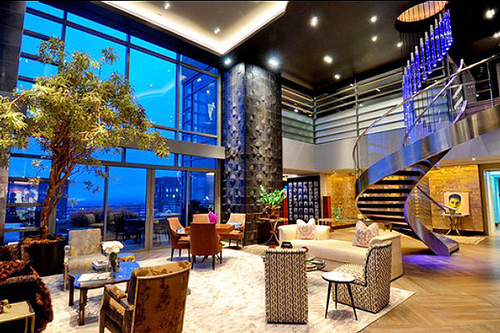 Manhattan new york luxury penthouse a home on top of the for Expensive houses in new york