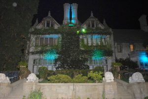 Playboy_Mansion_North_Side_2007